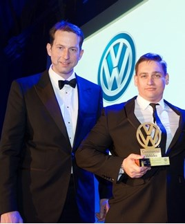 Carl zu Dohna (left), brand director of Volkswagen Commercial Vehicles presenting the award to David Cowan, Volkswagen Commercial Vehicles brand director, Swansway Group