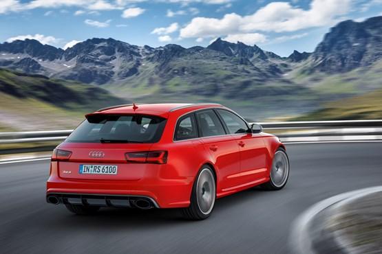 2015 Audi RS 6 Avant rear three-quarter view