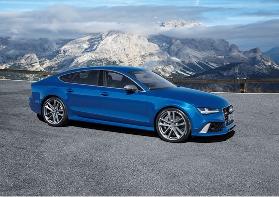 Audi RS 7 Sportback 2015 parked with a mountain backdrop