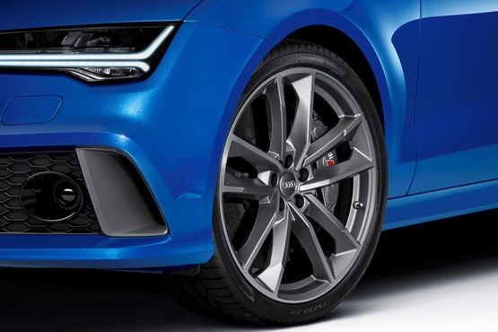 The 2015 Audi RS 7 Sportback, detail of front wheel