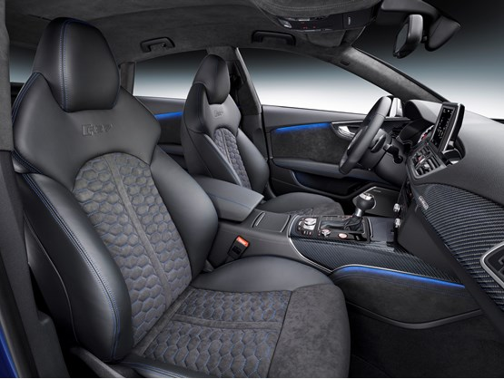 The 2015 Audi RS 7 Sportback front interior