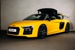 Audi R8 Spyder 2016 studio front three quarters roof mid operation