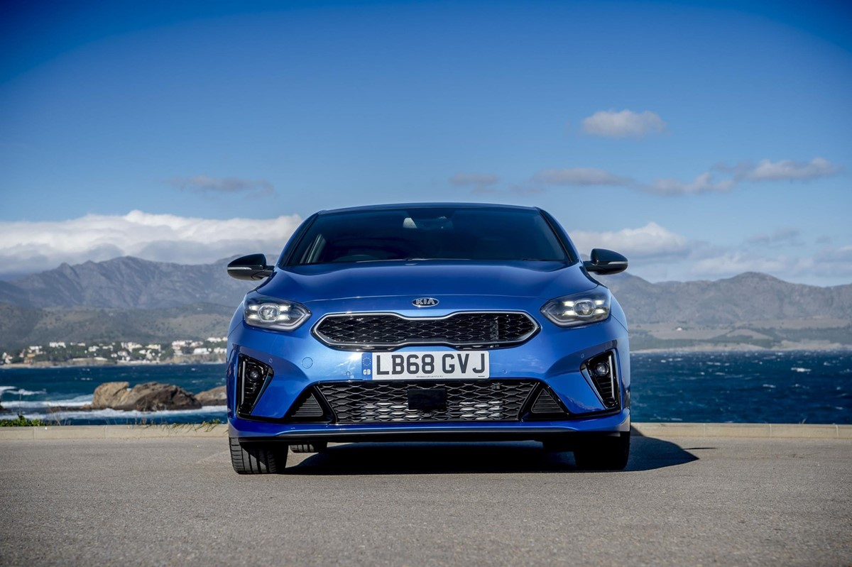 pictures kia proceed gt    car galleries