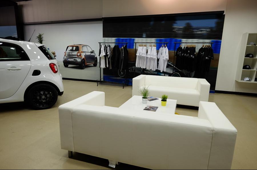 Mercedes benz retail 39 s bullring shopping centre pop up for Mercedes benz store