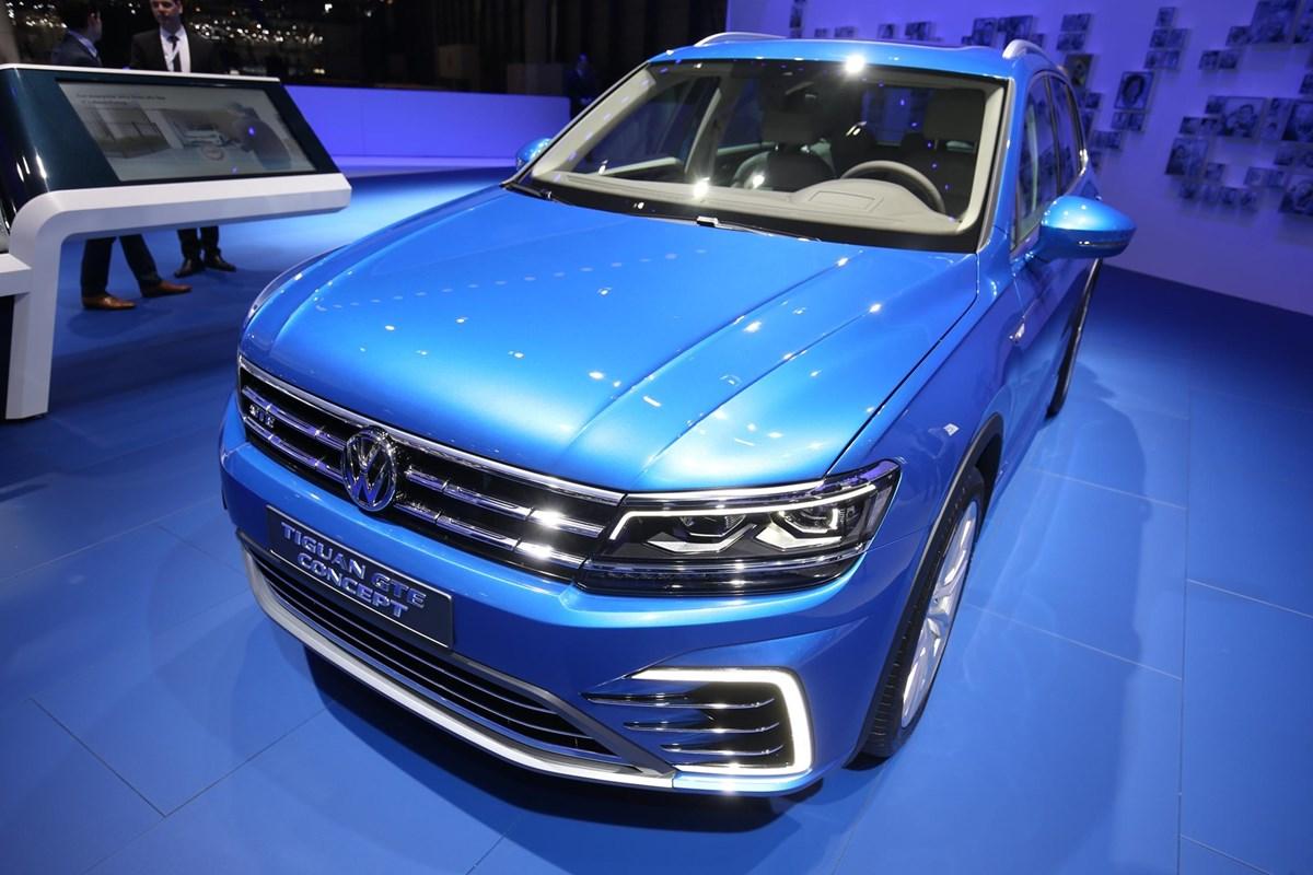 VW Tiguan GTE concept front