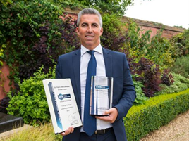 Fraser Cohen, MD of Glyn Hopkin, with his Nissan Global Award 2016