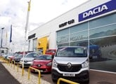 Right Car Renault Dacia Grimbsy