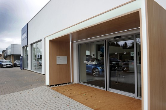 Waylands Automotive entrance