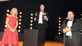 GForces sales director Paul Hilton (centre) picked up the award from AM editor Tim Rose