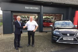 New home (L-R): Simon Campbell, Clydesdale Bank, and Geoff Windas, B+H Motors