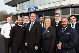 Simon Dennison (centre), Bristol Street Motors West Bromwich Ford general manager