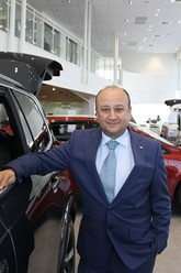 Daksh Gupta, Marshall Motor Holdings chief executive