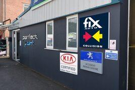 Fix Auto Sandhurst front of building