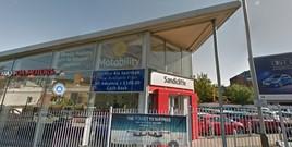 A Kia dealership