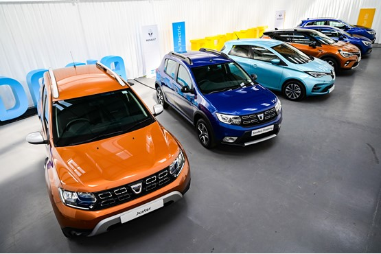 Groupe Renault UK's new Virtual Showroom facility offers guided vehicle tours by dedicated product 'gurus'