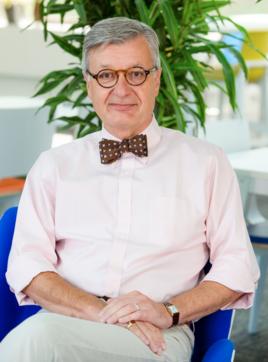 Paul Bennett, iVendi's senior vice president for international business and banking alliances