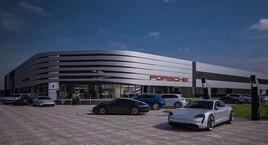 Artist's impression: Porsche Retail Group's Destination Porsche Centre in Reading