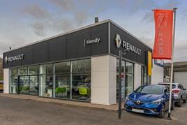 Hendy Group's new Renault/Dacia showroom in Salisbury