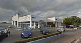 Savilles Garage car dealership in Kidderminster