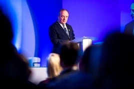 TrustFord chairman and chief executive, Stuart Foulds, addresses the AM100 retail group's 2018 annual conference