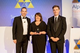 Swansway group fleet sales director, Sarah Eccles, receives the Alphabet dealer of the year award
