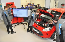 Technician training at Ford's Daventry Academy