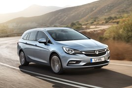 A front three-quarter view of the Vauxhall Astra Sports Tourer 2016 model